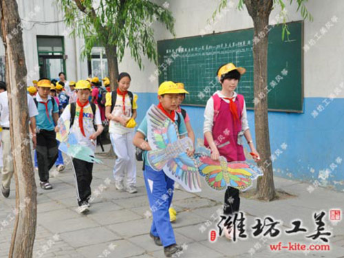 潍坊风筝厂小学生课外DIY风筝放飞活动